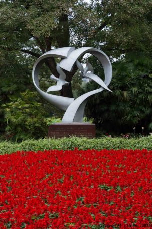 Sister-city statue