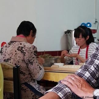 Folding Jiaozi in Dulan